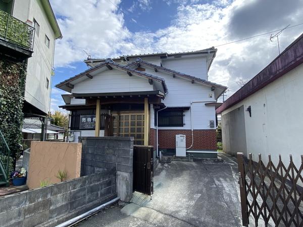 大牟田市亀甲町 2階建住宅のサムネイル